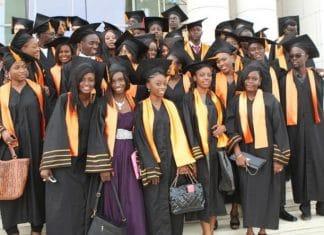 Un établissement d'enseignement supérieur recrute deux profils